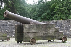 Bunratty - Bunratty Castle - Cannon