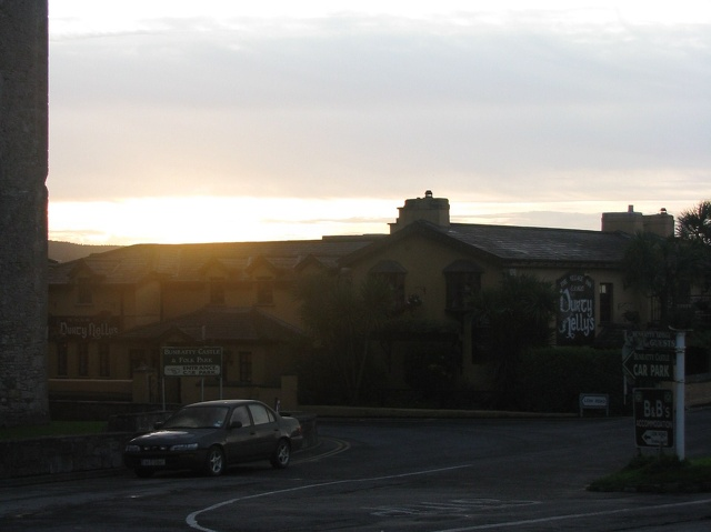 Bunratty - Sunrise - Durty Nelly's